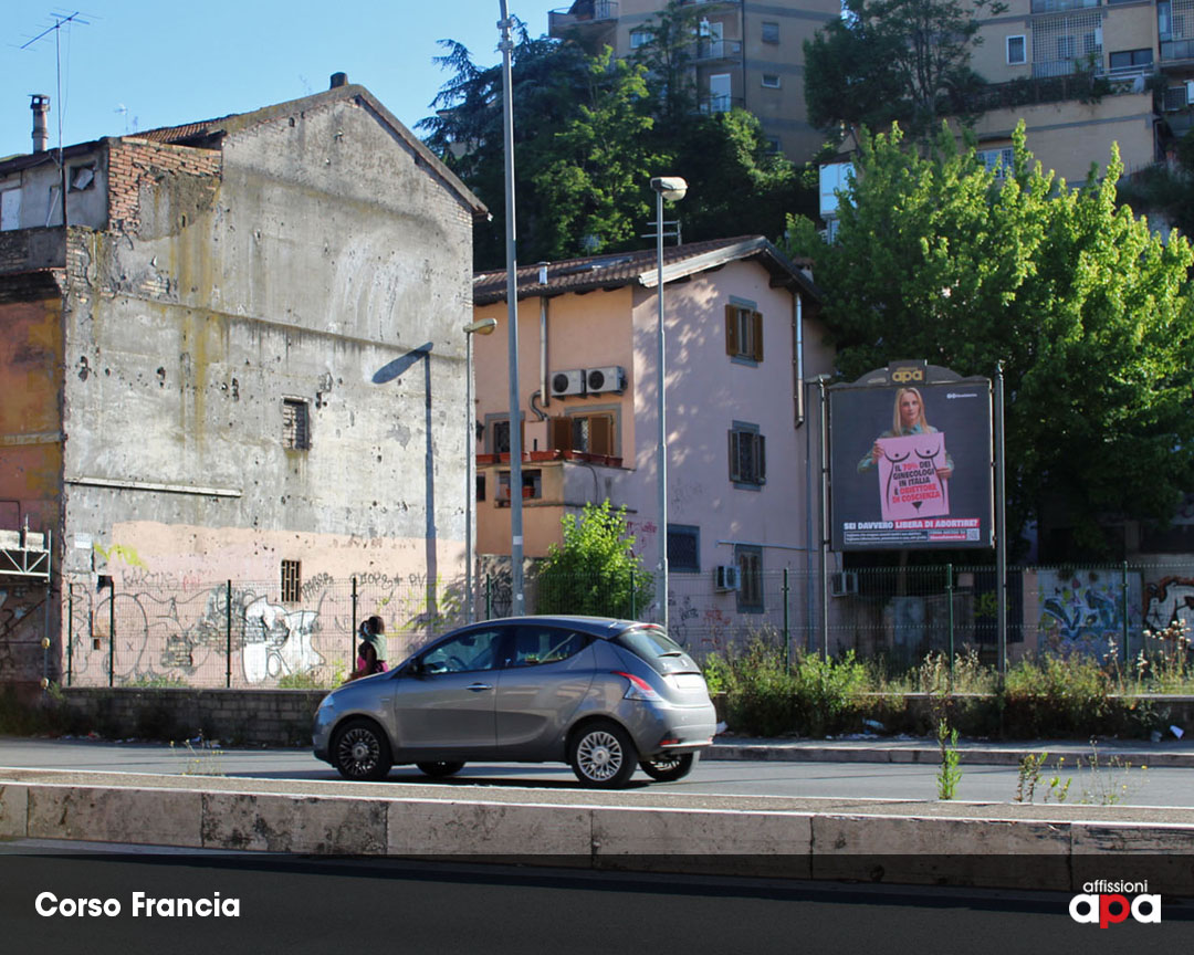 Affissione APA 2x2 su Corso Francia, con la pubblicità dei Radicali.