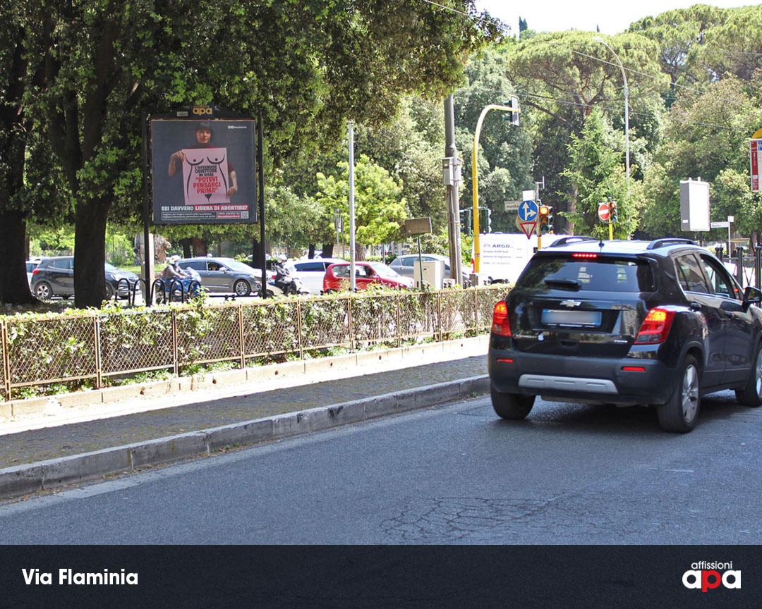Affissione 2x2 di APA a Roma su Via Flaminia, con pubblicità dei Radicali.