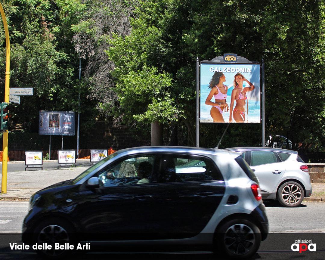 Pubblicità Calzedonia su Affissione 2x2 di APA in Viale delle Belle Arti, Roma.
