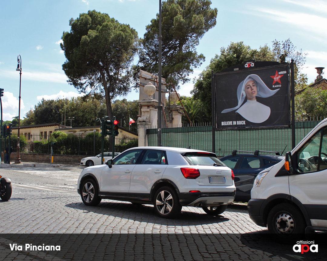 Uno dei poster 3x2 di APA a Roma su Via Pinciana, con la pubblicità di Virgin Radio.