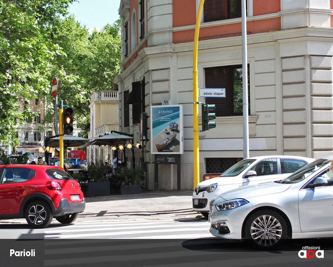 Affissione Luminosa di 140 x 200 cm su Viale Parioli, con la pubblicità di Ethimo.