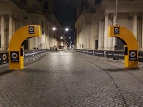APA Affissioni realizza l'allestimento della XXV Acea Maratona internazionale di Roma.